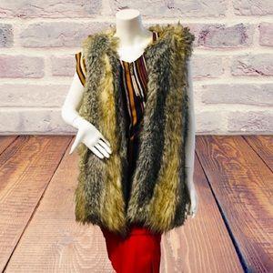 Xhilaration L/G Faux Fur Coat